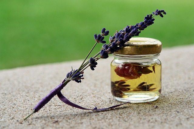 hot to make essential oils